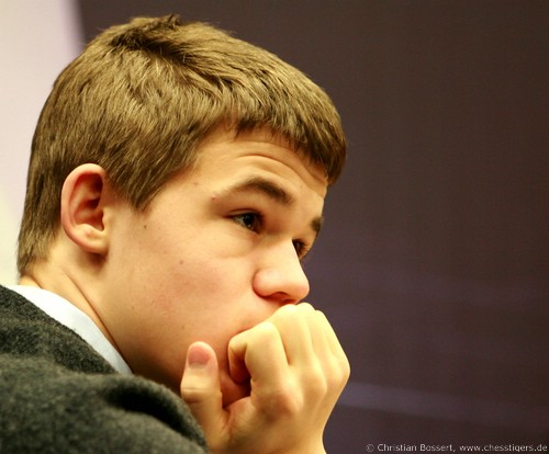 corus_chess_2008_carlsen_1.jpg